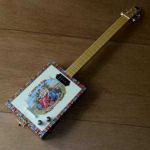 cigarbox-guitar-4-cordes-st-louis-aroma-de-cuba